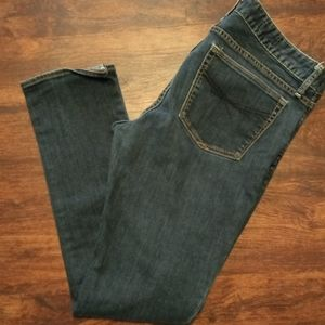 Gap Medium Wash Skinny Jeans!